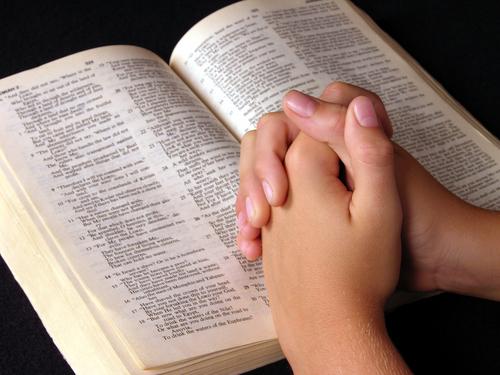 القرآن لم يقل بتحريف الإنجيل والتوراة